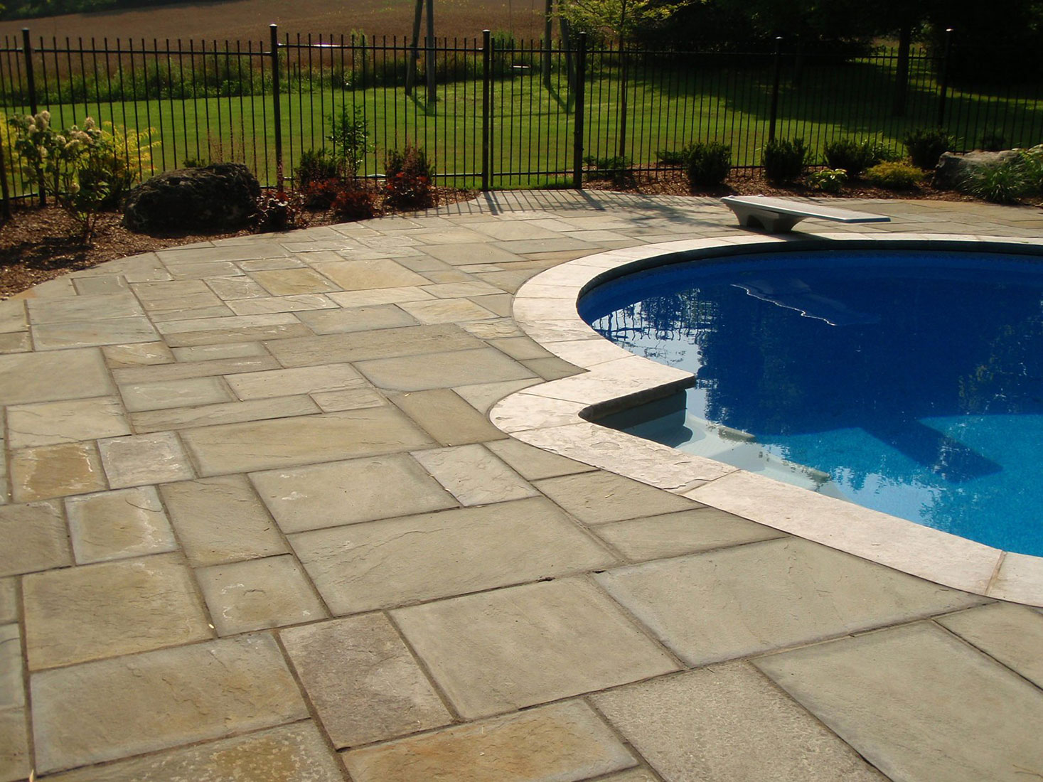 New york square cut flagstone pavers Flagstone pavers around pool