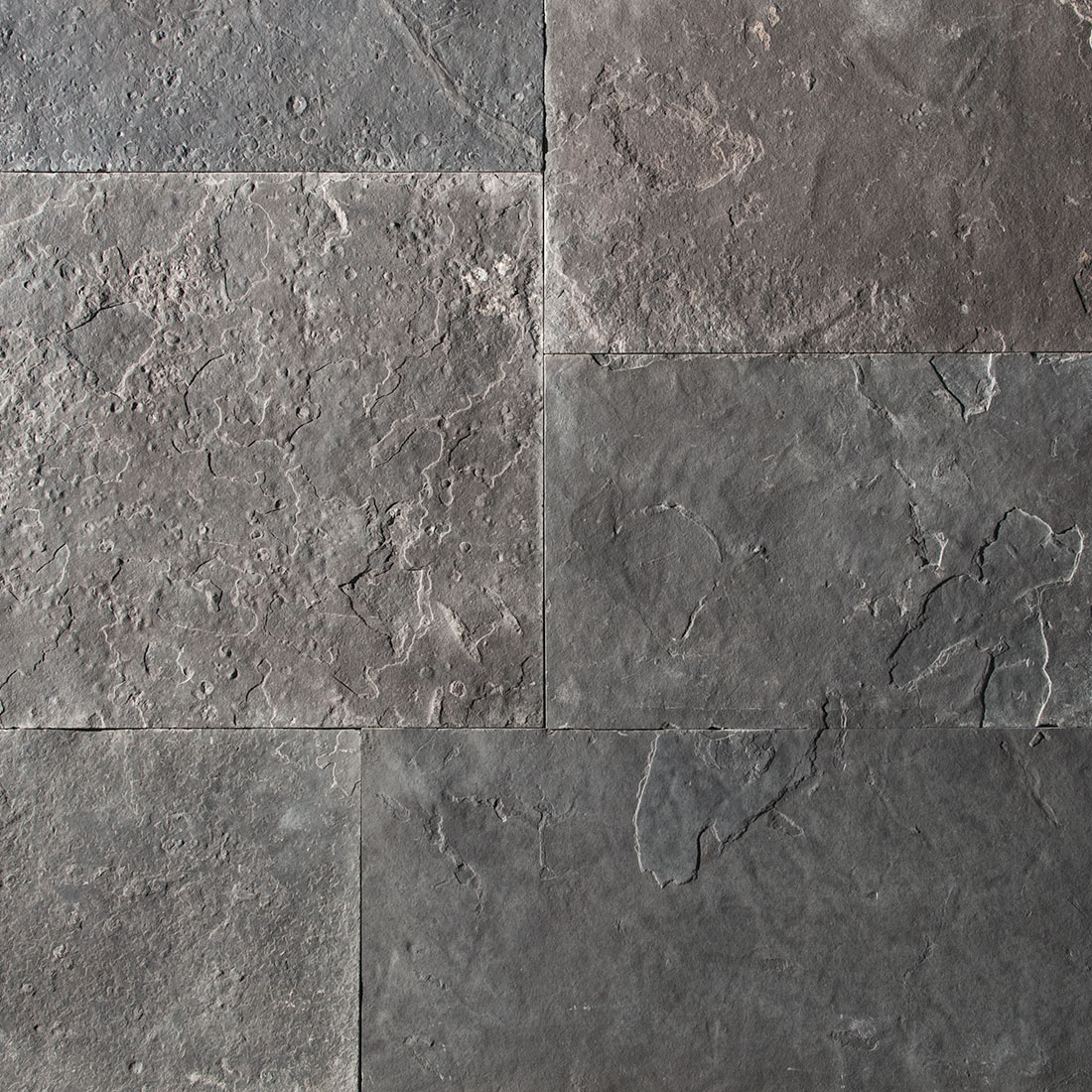 Ebel Black natural square cut flagstone paver swatch