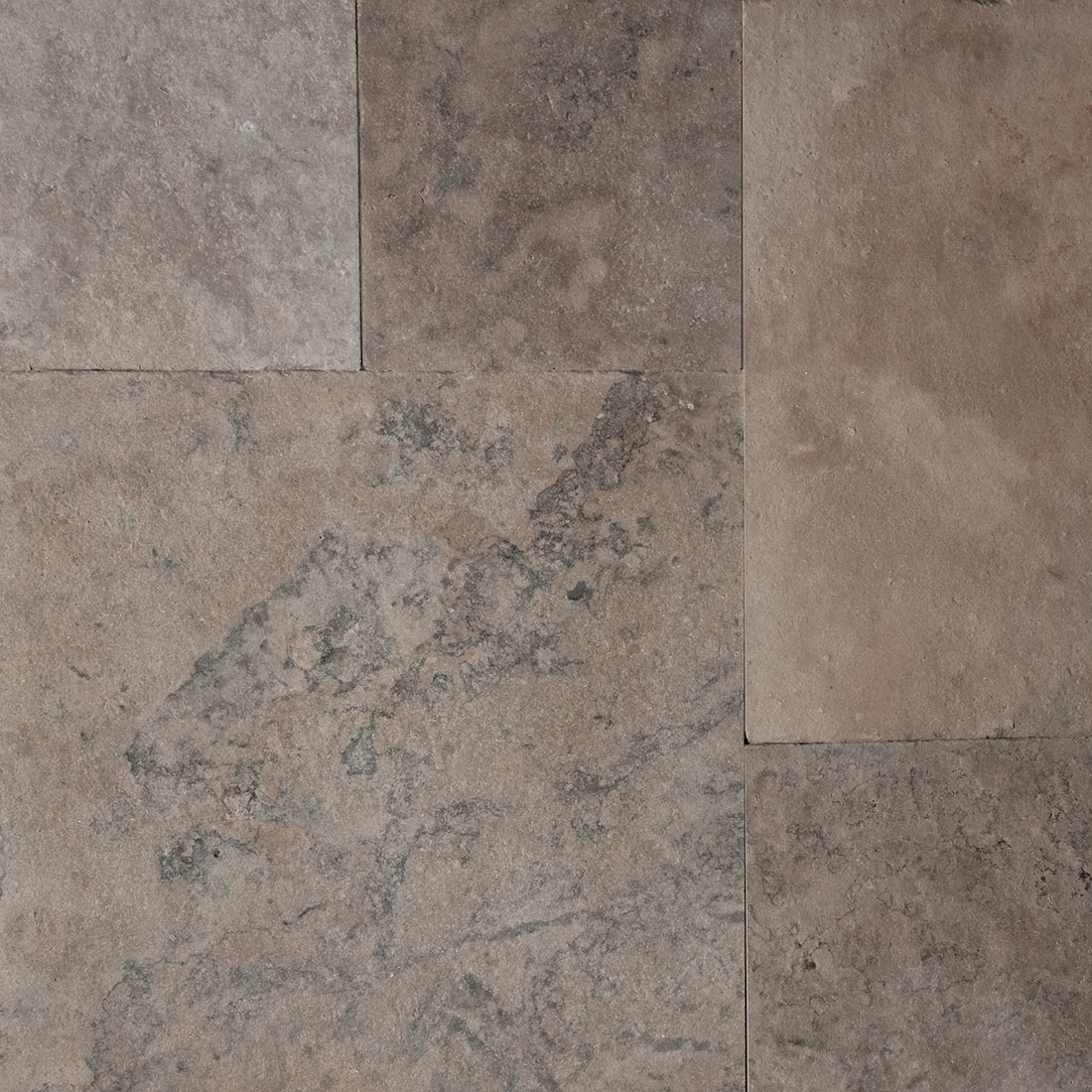 Wiarton Buff flamed square cut flagstone paver swatch